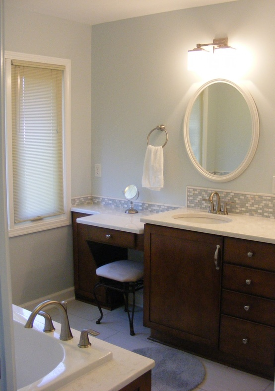 A clean and shiny bathroom.
